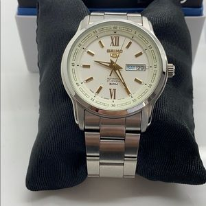 Seiko 5 Automatic Japan Made stainless steel Watch